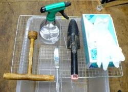 菌糸ビン詰めの道具